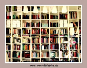 Bücherregalb